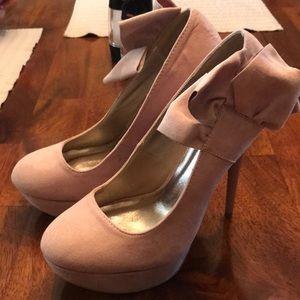 5 inch platform heels. Size 8. Never worn!